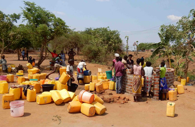 Some women in Tete Province, Mozambique, faced a five-hour return trip to collect water for their families.